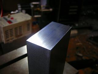 SS400。いわゆる鉄。